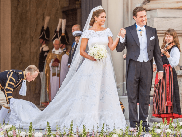 The Ultimate Guide to Your Wedding Dress